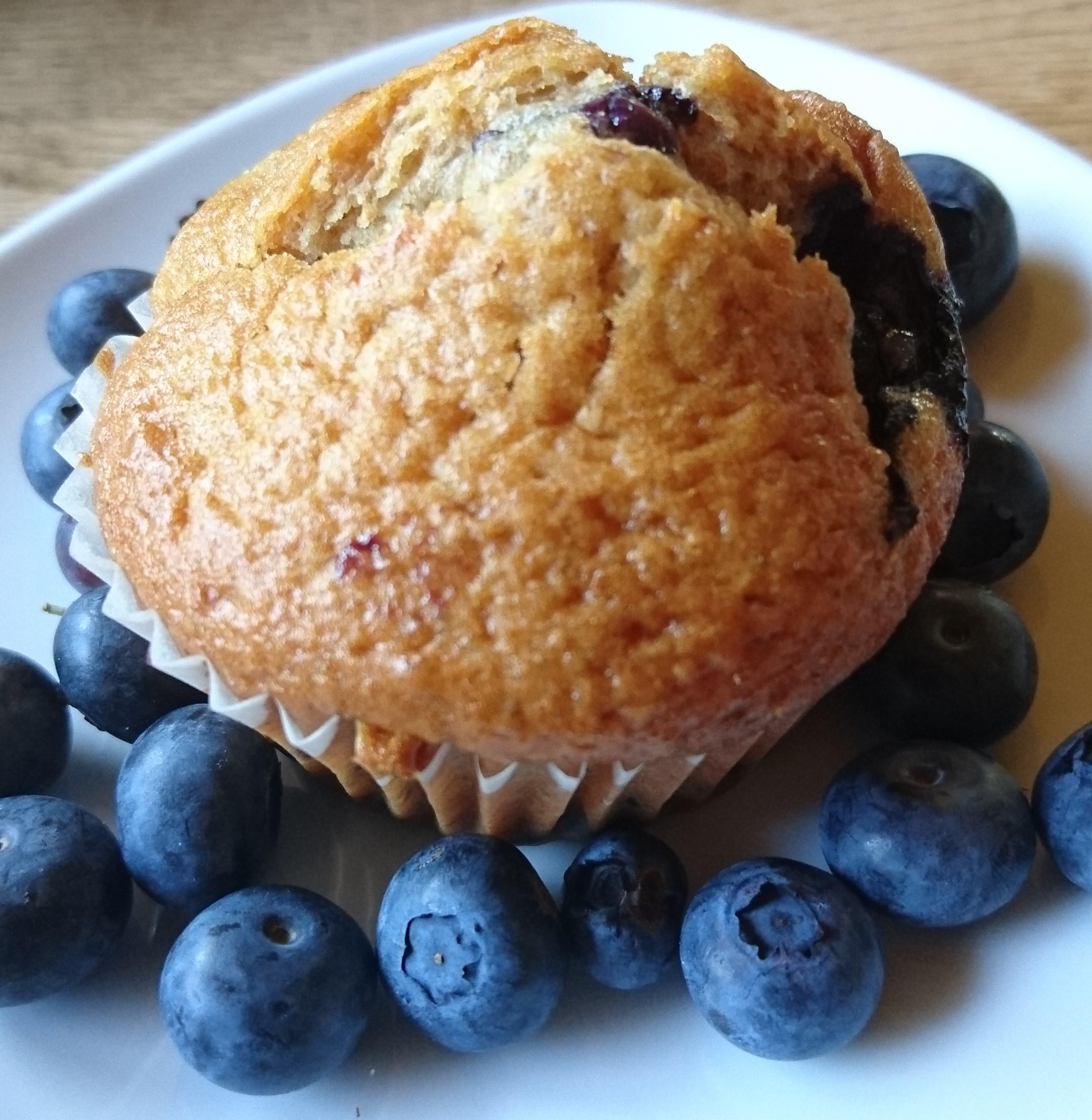 zitronige heidelbeer muffins die gourmetlette. Black Bedroom Furniture Sets. Home Design Ideas